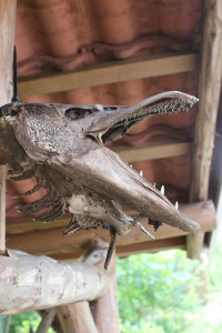 """Das ist kein Archeopteryx, sondern das """"Ungeheuer"""" sprich der größte Angelfang unseres Vermieters...hing überm Grill"""