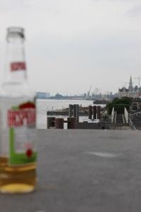 Ein zufällig herumstehendes Bier