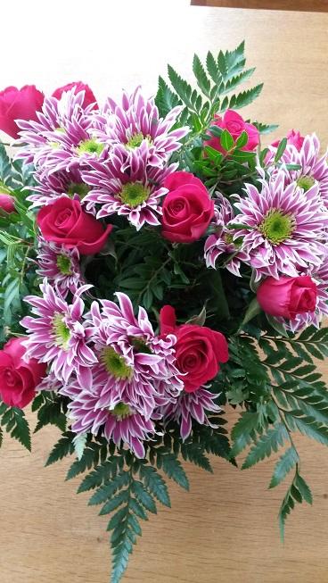 Dann habe ich Blumen vom Markt mitgebracht bekommen und mich wahnsinnig darüber gefreut :)